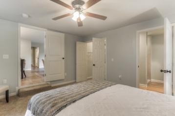 7-Ceiling fan, Walk-In Closet